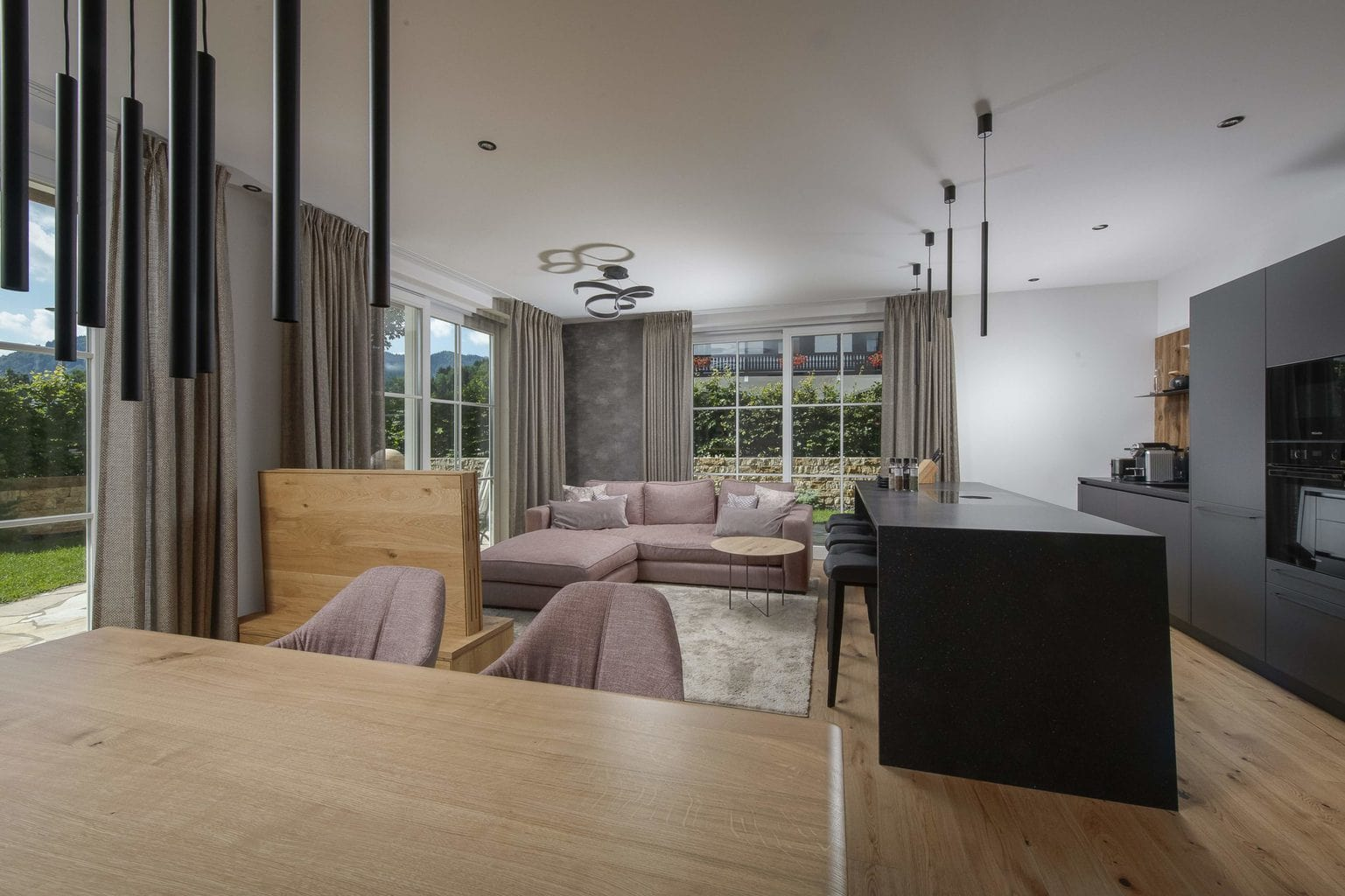 Vakantiepark R6 aan de Tegernsee in Beieren met luxe huiskamer