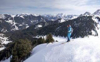 Skiers op een berg Wintersport aan de Tegernsee