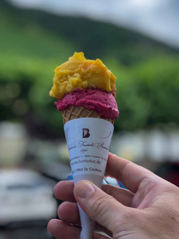 Een ijsje van Bortolot in moet je nuttigen tijdens een bezoek aan Cochem