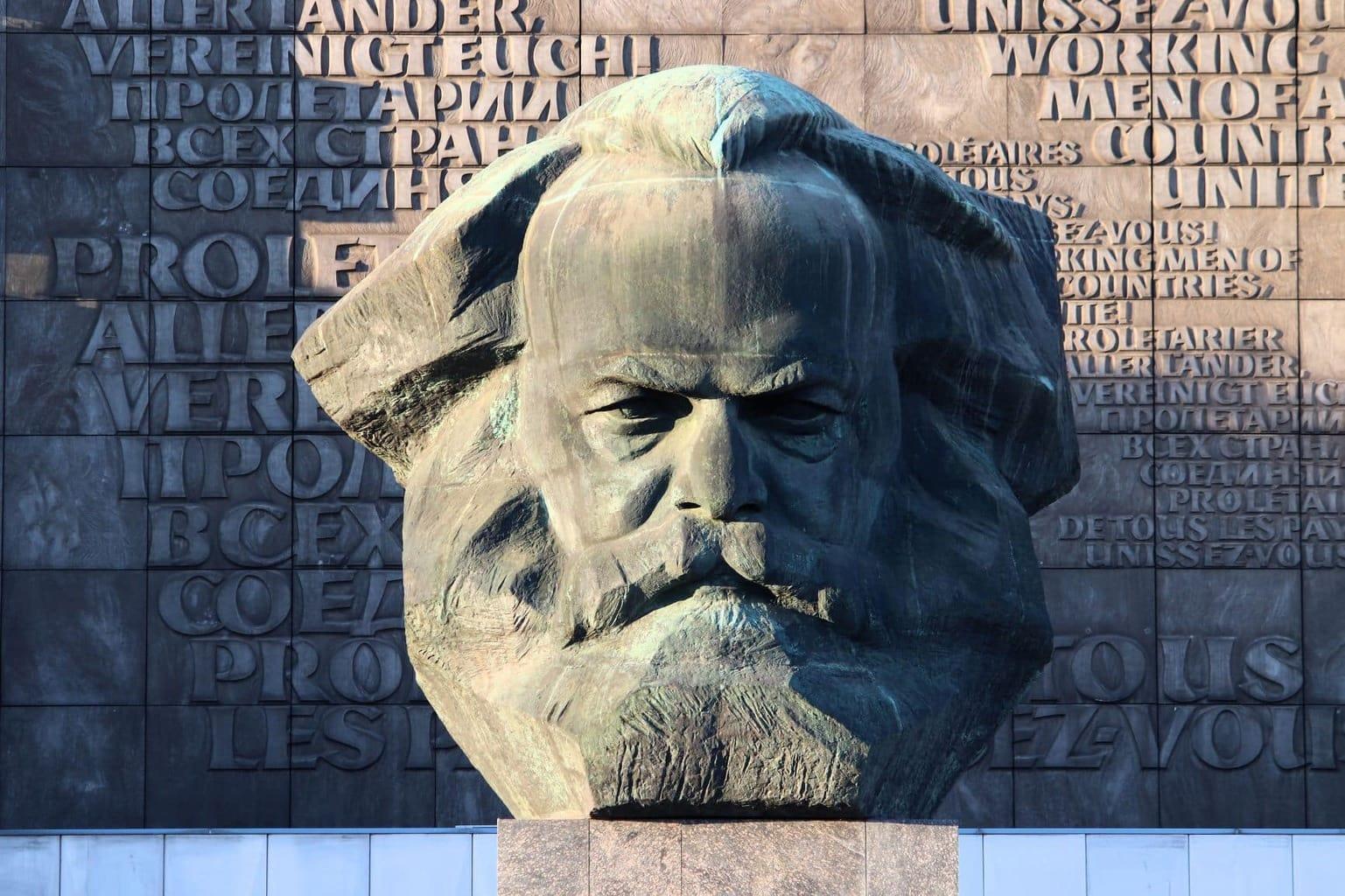 Het monument van Karl Marx in Chemnitz wordt de culturele hoofdstad van Europa