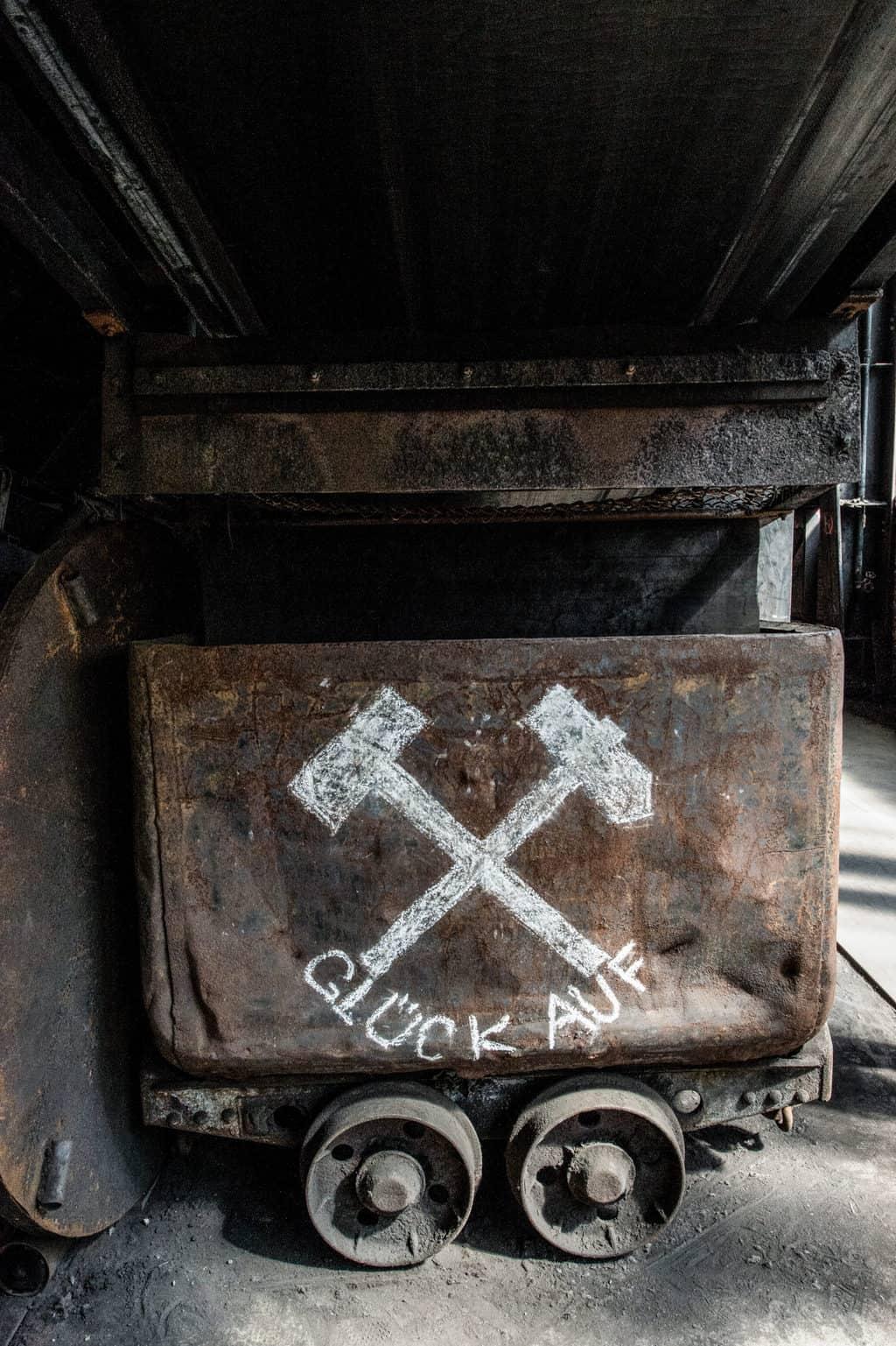 Een wagen in een koolmijn in het Duitse roergebied