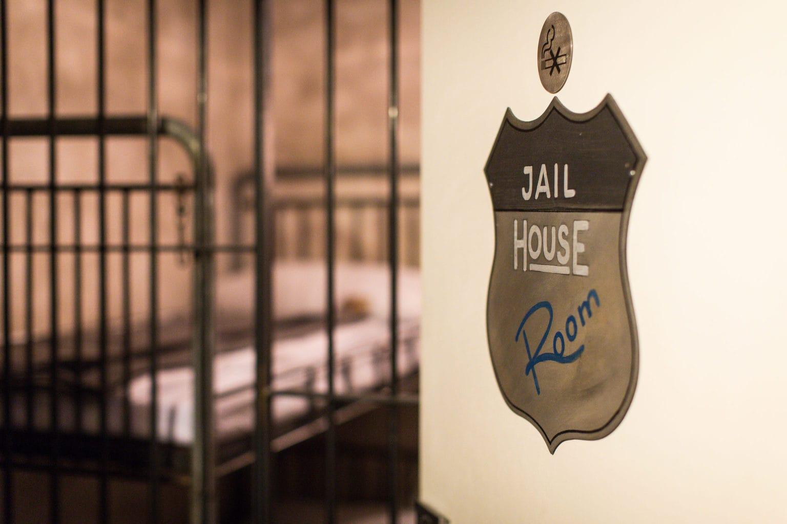 In een gevangenis slapen kan in Road Stop Motel in Duitsland