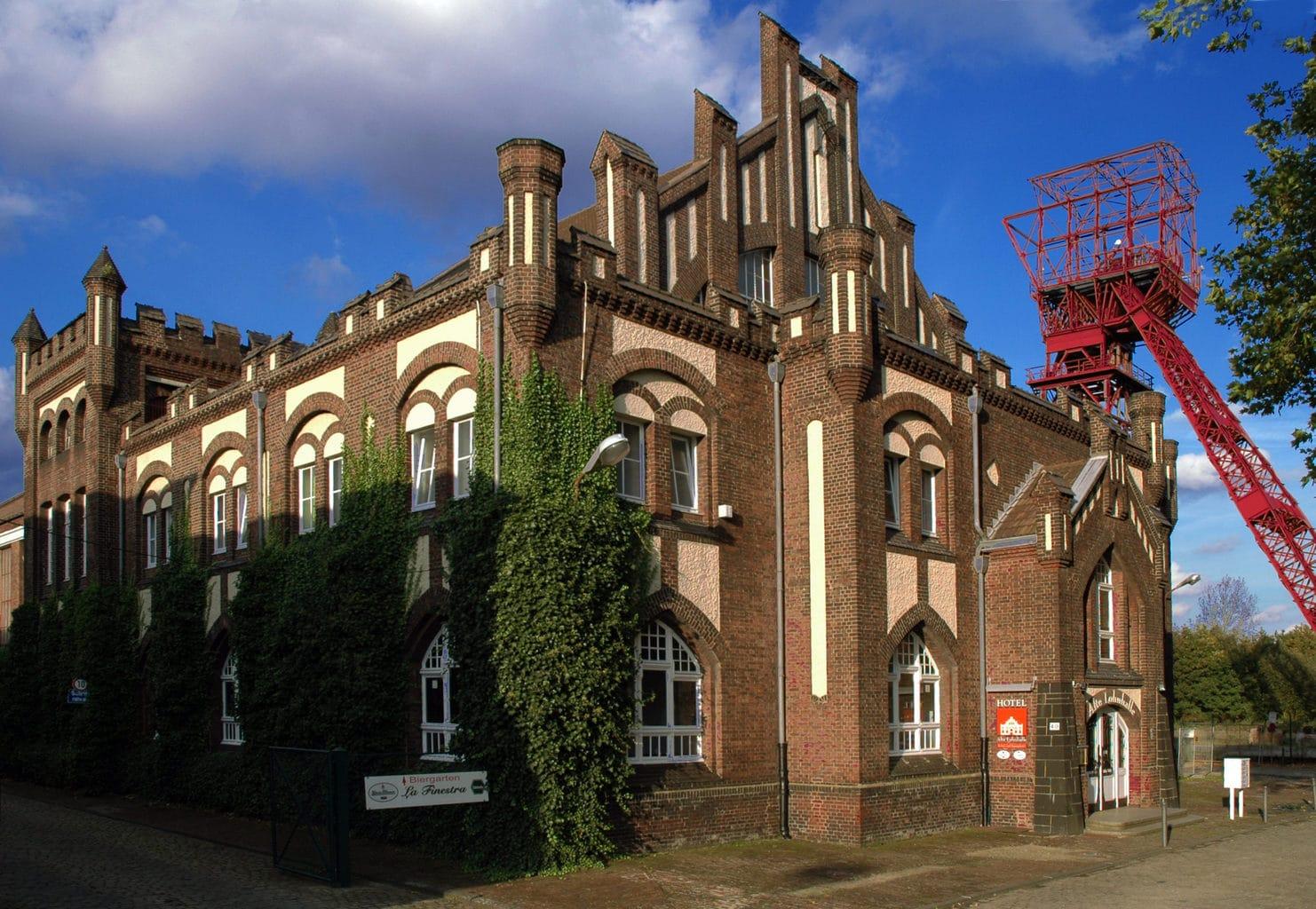 Slapen in een oude koolmijn kan je in de Lohnhalle in Essen
