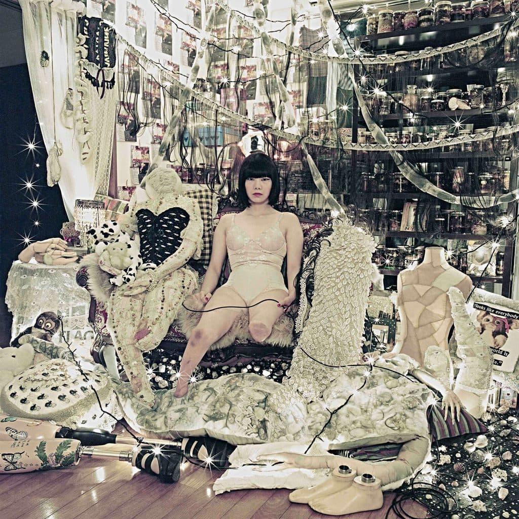 Tentoonstelling Look over mode in het Duitse Herford met werk van Mari Katayama Shell