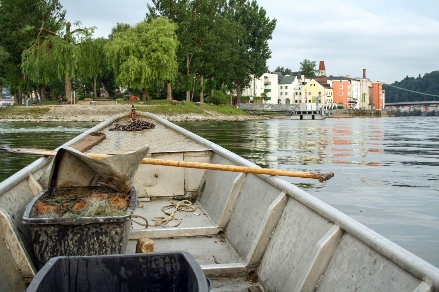 Apostelvissers op de Donau in Passau in de Duitse deelstad Beieren